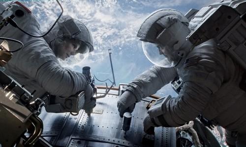 Kostümdesign für den Weltraum –<br /> digital und analog