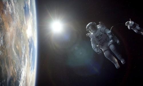 """Gravity"": Trudelnde Weltraumelefanten"