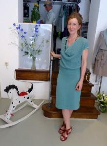 Anna Sophie Howoldt in eigenem Modell bei der Eröffnung ihres Shops