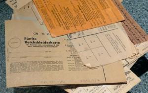 """""""Reichskleiderkarte"""", Heeresgeschichtliches Museum Wien. Foto © Rose Wagner"""