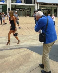 Bill Cunningham, der legendäre Modefotograf der New York Times,  im Einsatz. Foto © Rose Wagner