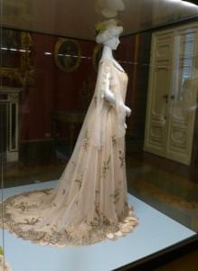 Rosa Genonis La Primavera (1906) in der Galleria del Costume di Palazzo Pitti. Foto © Rose Wagner