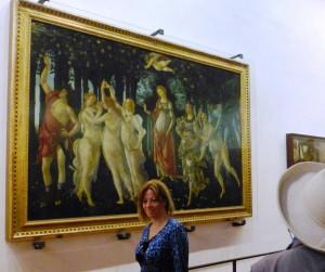 Sandor Botticellis La Primavera in den Uffizien, von TouristInnen umstanden. Foto © Rose Wagner