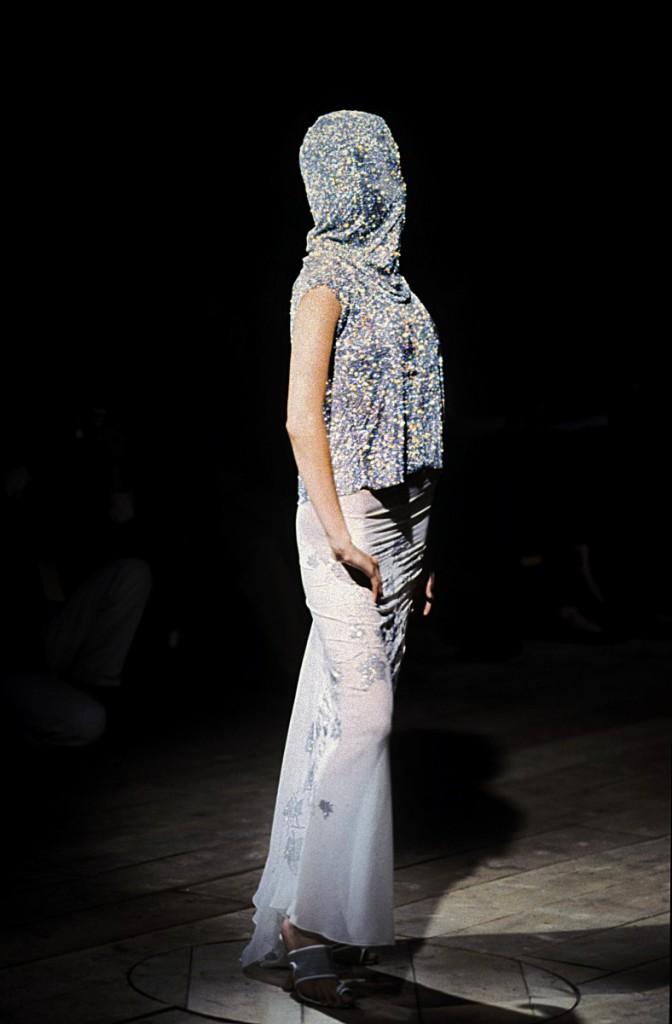 Alexander McQueen, 1999. Foto © Claire Robertson / Swarovski