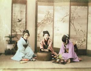 Drei Geishas beim Teetrinken, o. J. Privatsammlung, Deutschland.  Foto © Bröhan-Museum