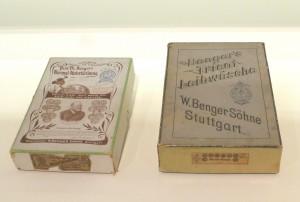 Verkaufskartons, links Benger`s Tricot Leibwäsche, rechts Prof. Dr. Jaeger`s Normal Unterkleidung, beide um 1890, Maute Benger GmbH, Stuttgart. Foto © Rose Wagner