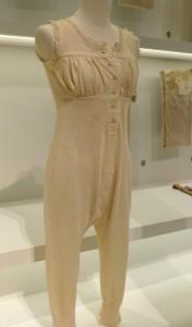 Hemdhose, Schiesser, Leinen, gewirkt,  um 1900. Foto © Rose Wagner