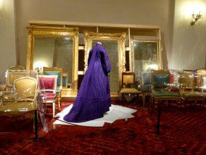 Saal The Rebirth of Costumes, Schwangerschaftskleid, Großbritannien, um 1890