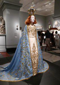 Gewand für die Madonna von Palagianelli, Riccardo Tisci, 2015. Foto © Rose Wagner