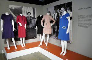 v.l. Jean Muir, 1961, Coco Chanel 1954, Pierre Cardin 1967 u. 1966, André Courrèges, 1966. Foto © Rose Wagner