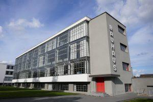 Bauhausgebäude, errichtet 1925-1926 nach Plänen von Walter Gropius